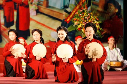 Meningkatkan nilai dari pusaka budaya non kebendaan nyanyian lagu rakyat Xoan