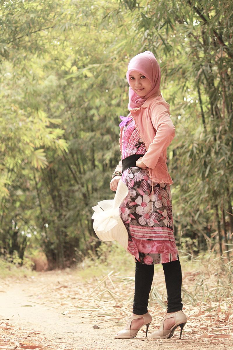 Jasa hunting Foto model gratis Makassar mahasiswi manis dna seksi Makassar