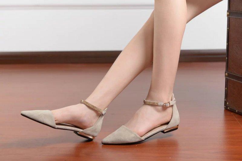 Cách giữ giày luôn mới, bền đẹp như thế nào (tiết lộ bí quyết riêng)