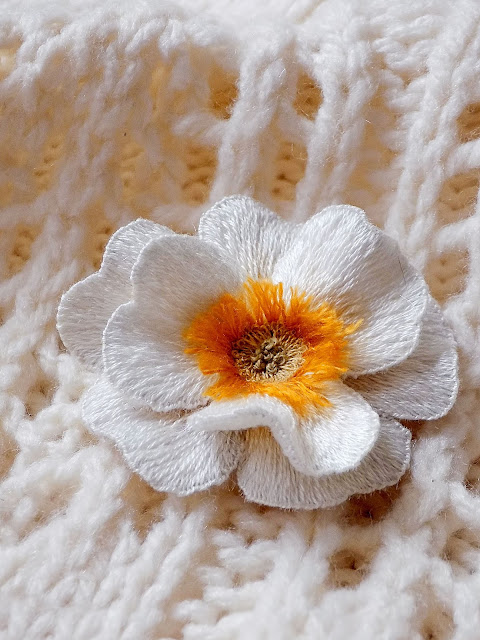 how to make embroidered brooch