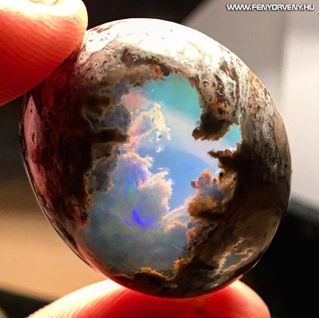 Ez az opál olyan, mintha belenéznél a Mennyországba