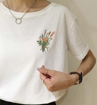 Cách thêu hoa trên quần áo thun