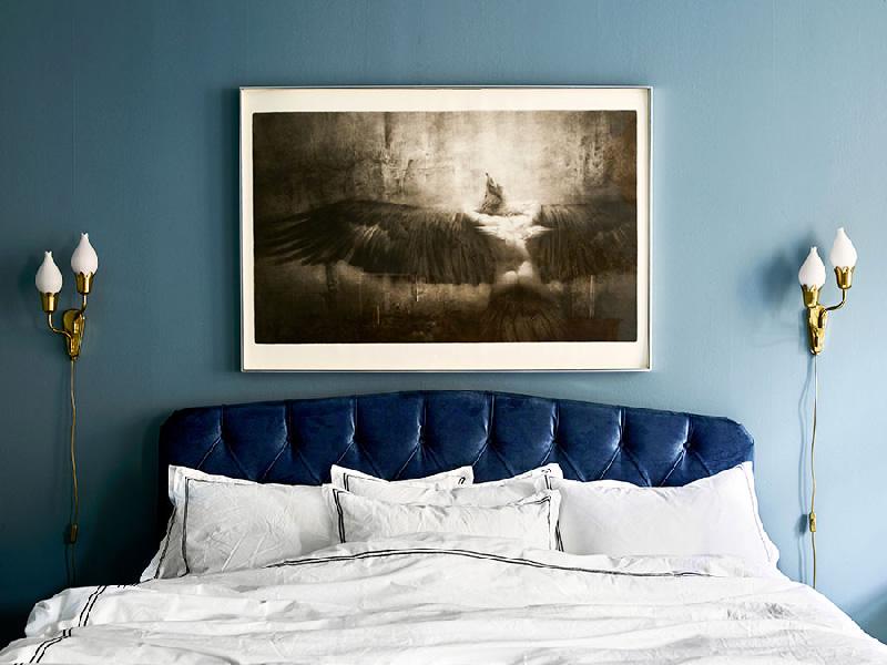 Tendenze arredare con il blu Niagara camera da letto