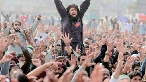 گستاخانہ خاکوں کے خلاف تحریک لبیک کا قافلہ اسلام آباد کی طرف رواں دواں