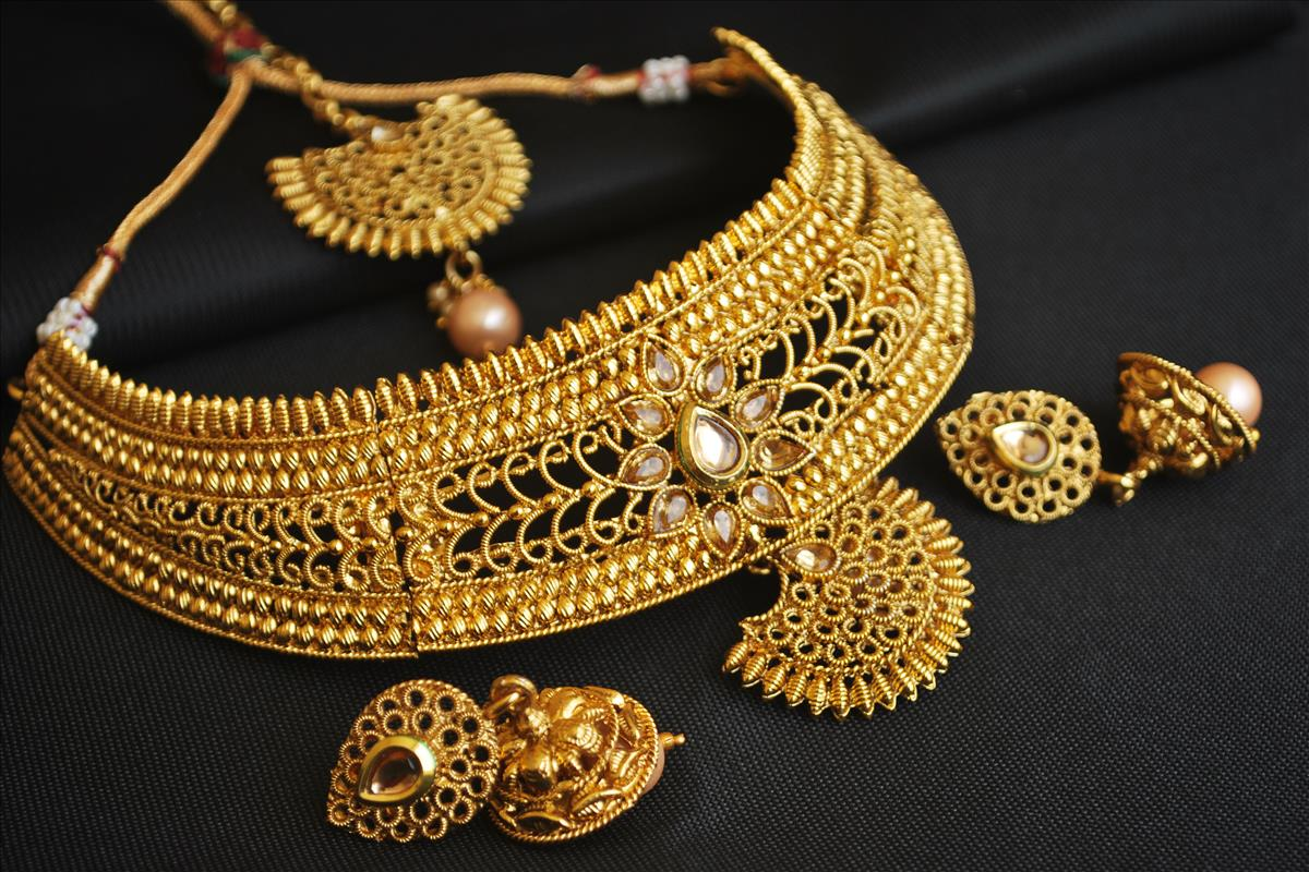 مجوهرات ذهب للنساء