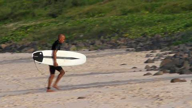 Kelly Slater Tomo