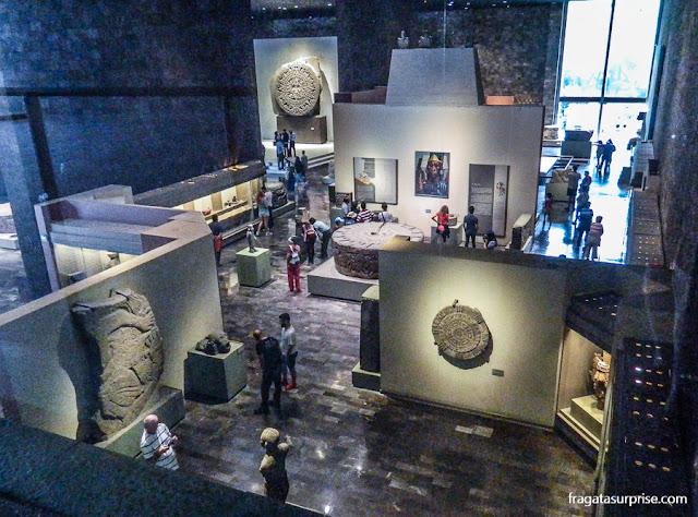 A sala da Cultura Mexica (astecas) no Museu Nacional de Antropologia do México