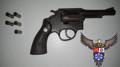 CISP de Pão de Açúcar prende mulher embriagada que atirou em via pública