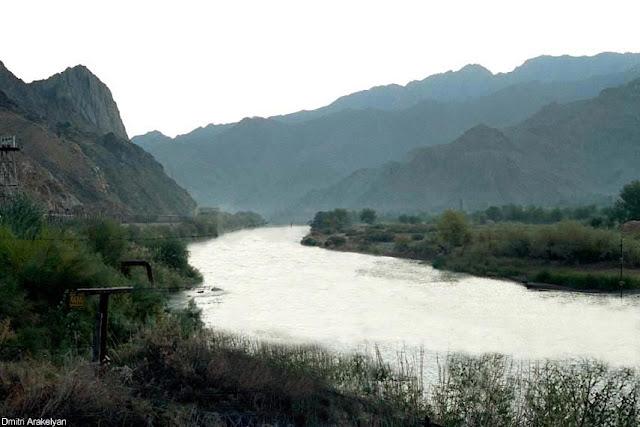 Irán y Armenia buscan inversor para hidroeléctrica Meghri