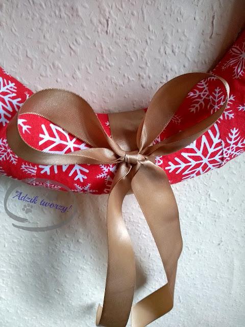 Adzik tworzy - świąteczny wieniec wiszący na drzwi