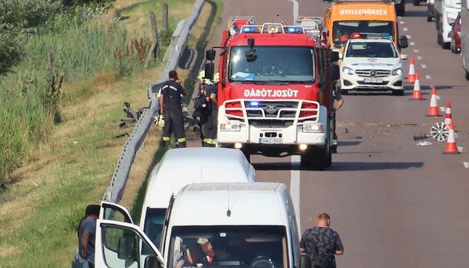 Árokba hajtott egy autó az M3-ason Mezőkövesdnél