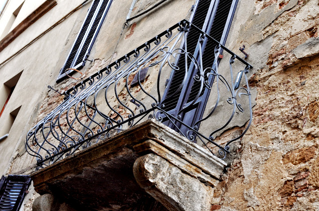 Wrought-Iron Balcony in Pienza, Italy | Taste As You Go