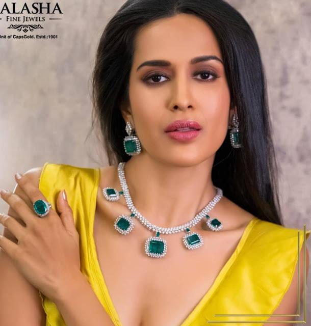 Exclusive diamond sets by kalasha Jewellers
