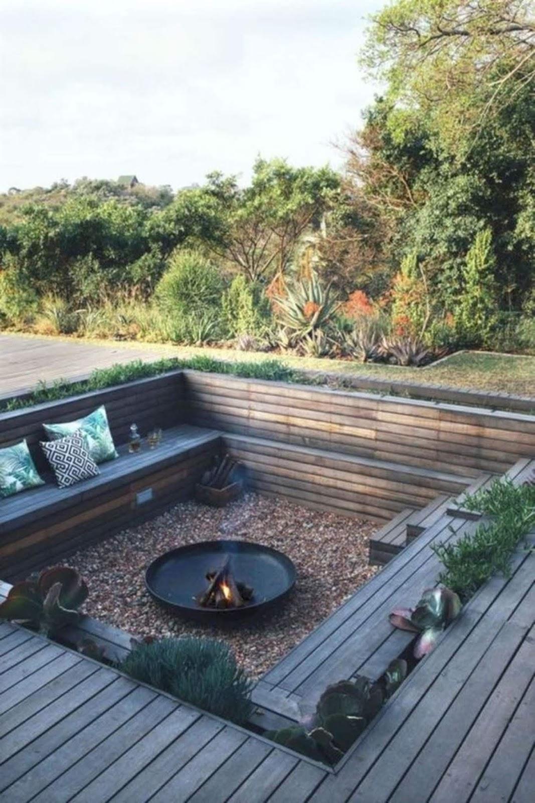 Fancy Backyard Fire Pit Seating Area Design Ideas