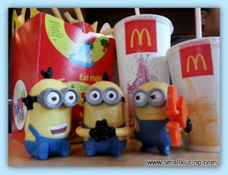 Small Kucing Durian Crepe And Despicable Me Minions Craze