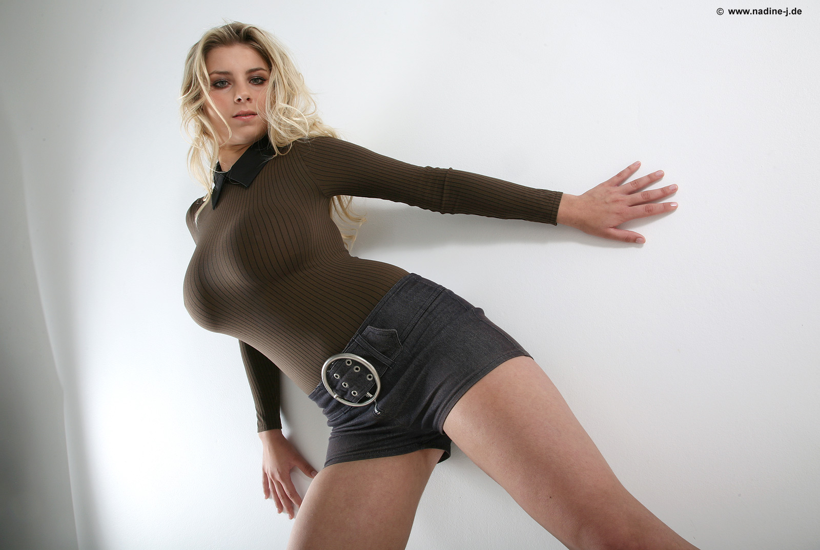 Leanna hart goes for oral sex 7