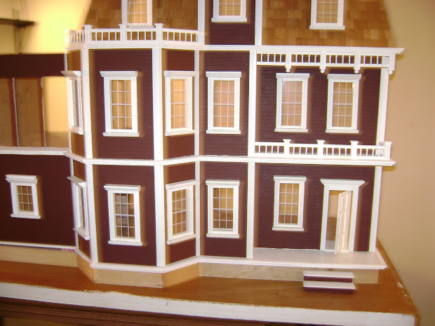 Michele' Miniatures Newport - Dollhouse
