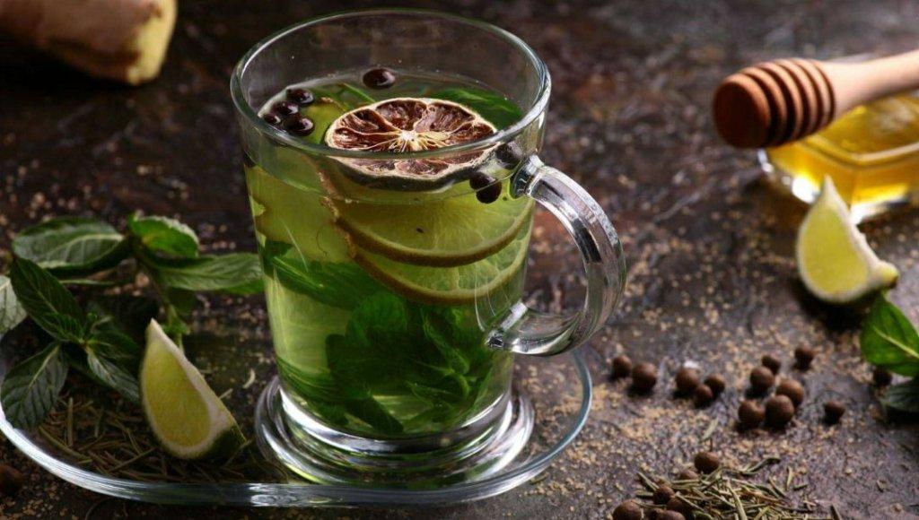 Chá da casca do limão reduz gordura no fígado e controla ansiedade