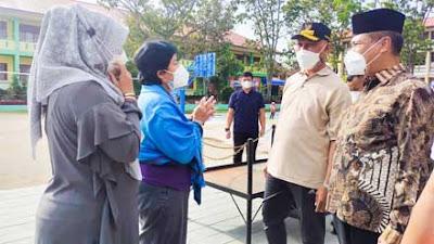 Gubernur Apresiasi Kepedulian Indo Jalito Bantu Korban Kebakaran Pasar Bawah Bukittinggi