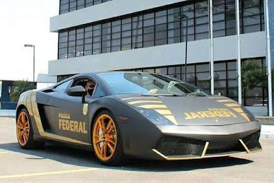 Lamborghini adesivada agora da Polícia Federal