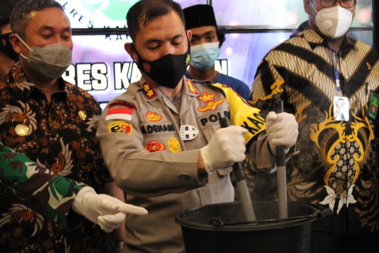 Satresnarkoba Polres  Karimun Musnahkan 2,079,69 Gram Narkotika Jenis Sabu