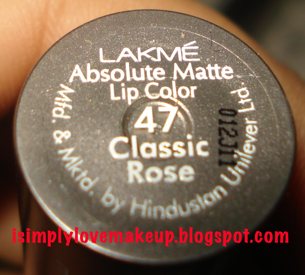 REVIEW & LOTD: Lakme Absolute Matte Lipstick in Classic Rose