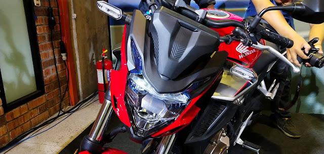 Honda Kelas Pertengahan 2019, Honda CBR500R berharga RM34,999, Motor Naked Honda CB500F berharga RM33,999 dan motor touring Honda CB500X berharga RM36,099.