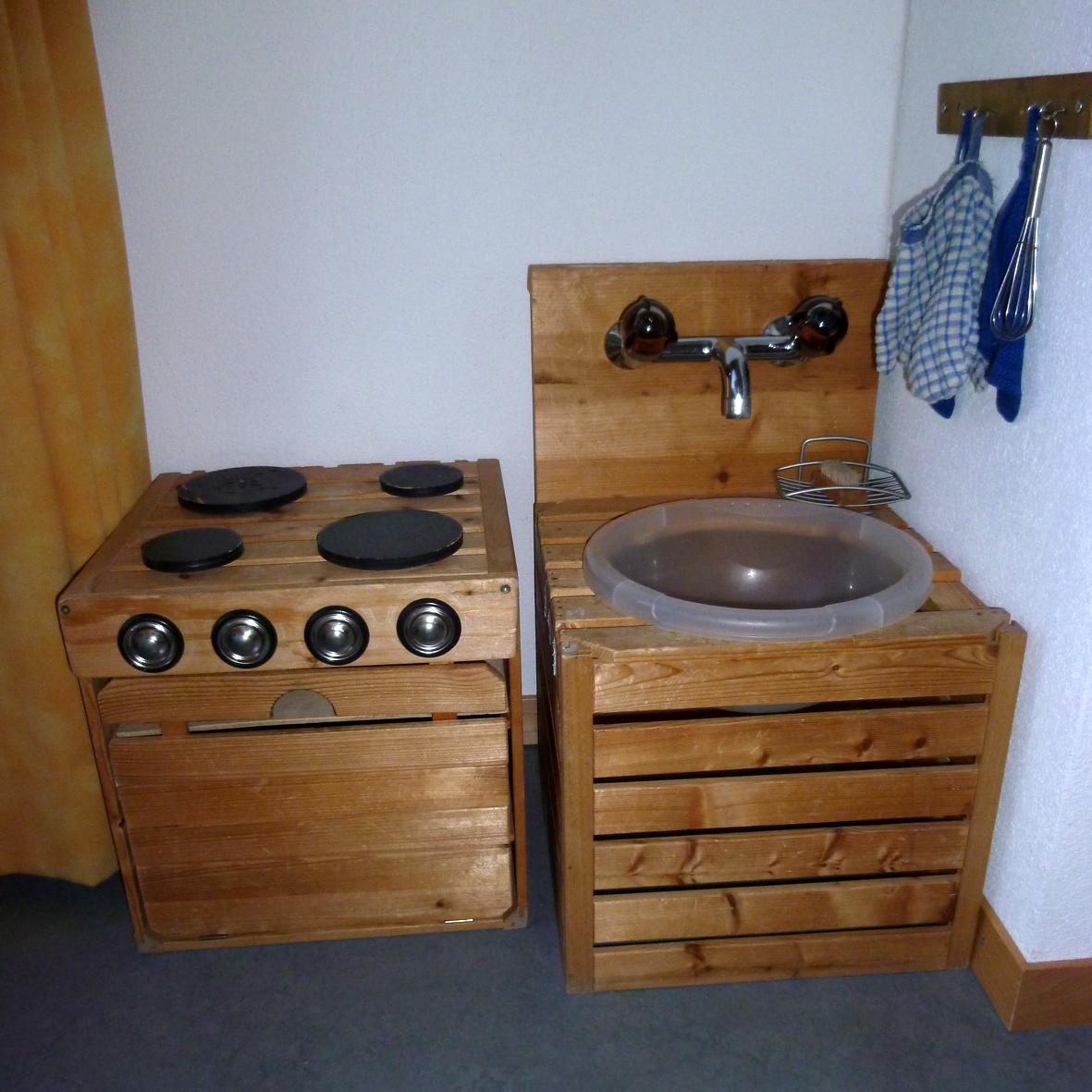 Selbstgebaute Küche schaeresteipapier die kinderküche in vielen variationen