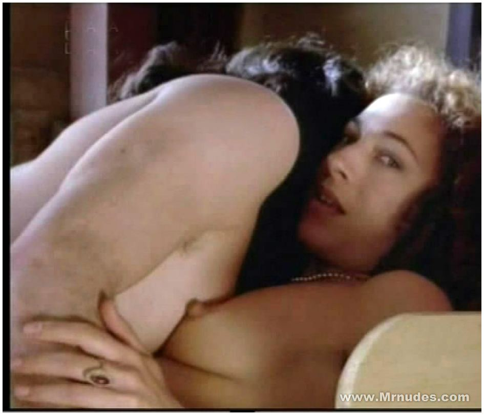 desnuda alex kingston