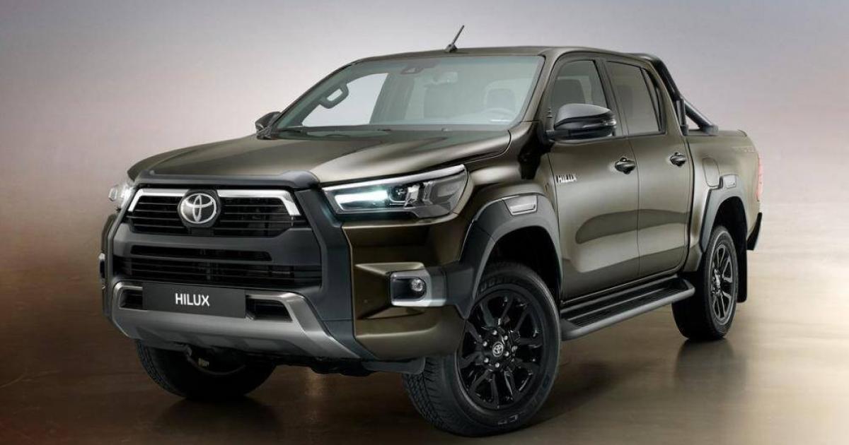 Cận cảnh Toyota Hilux 2021 vừa ra mắt tại Thái Lan