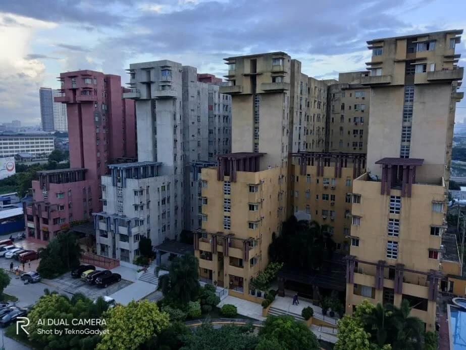 Realme C11 Camera Sample - Condominiums, HDR On