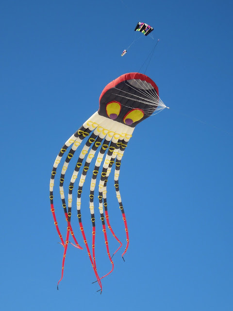 large octopus kite