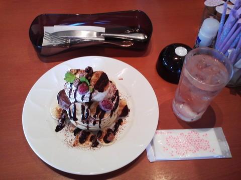 バースデーパンケーキ¥0-1 デニーズ岐阜鏡島店