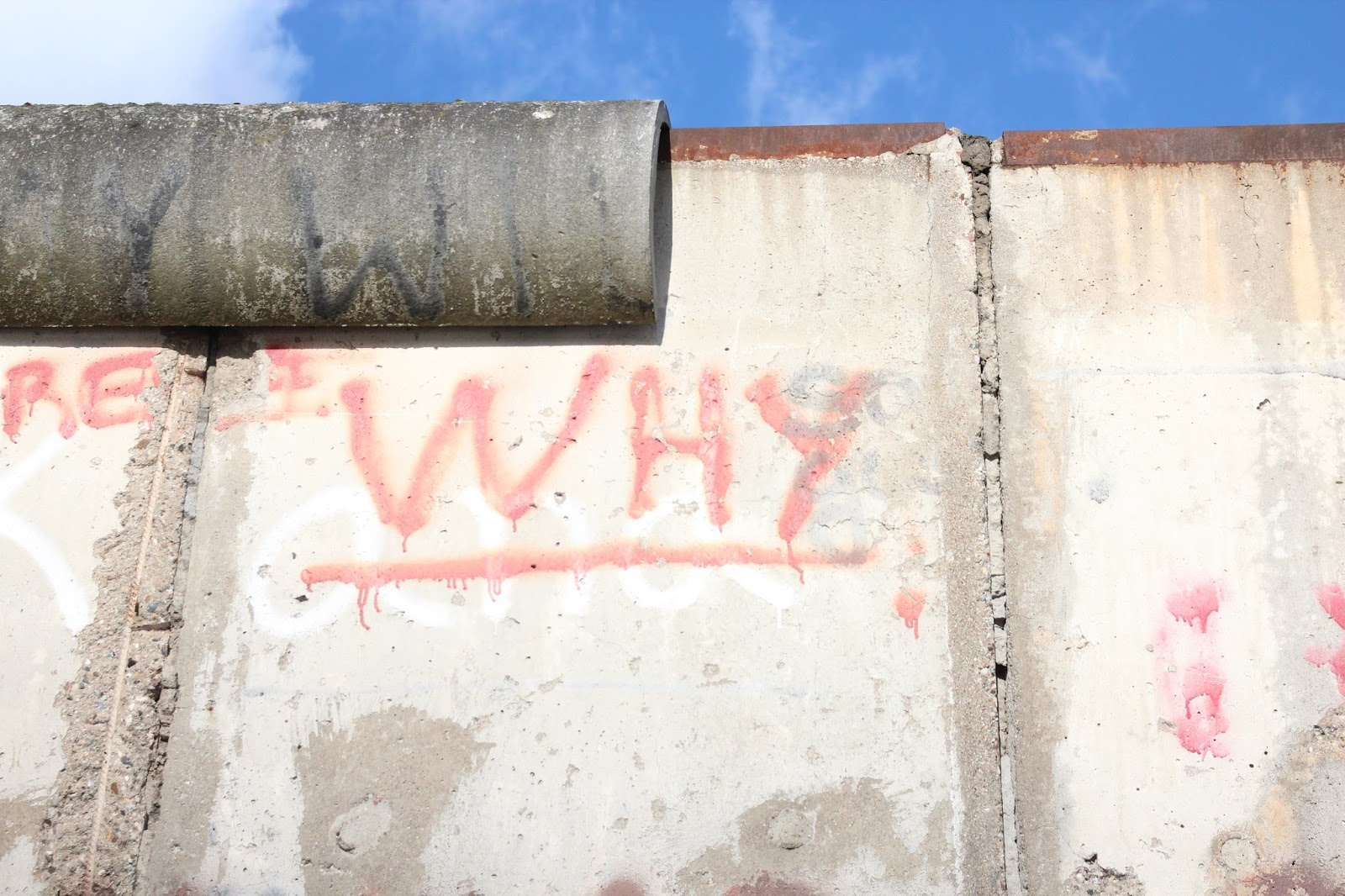 Lucy Love Blogger Berlin Wall LJLV