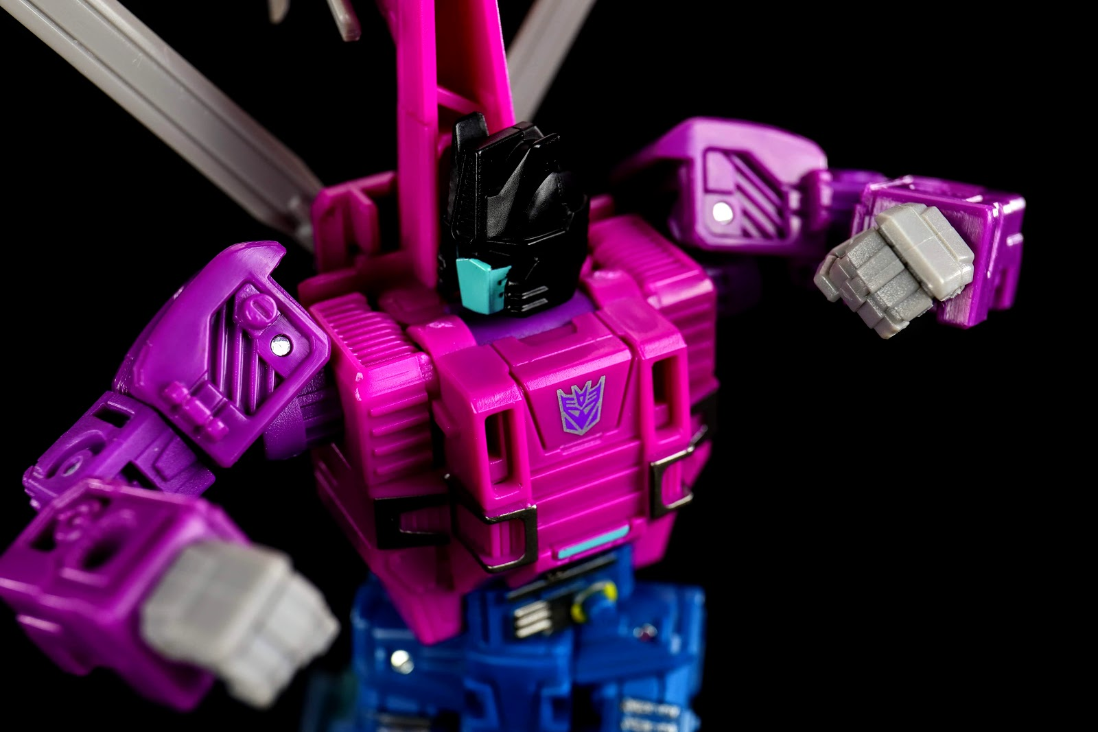 War for Cybertron:Siege Deluxe Class Spinister