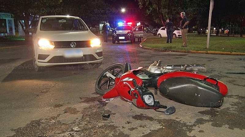 Motociclista fica ferido em acidente de trânsito entre carro e moto no centro de Nova Mutum