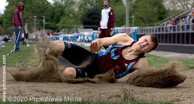 Alex Arteaga lands in the sand