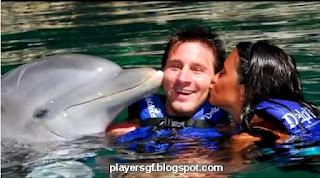 Lionel Messi and his Girlfriend Antonella Roccuzzo