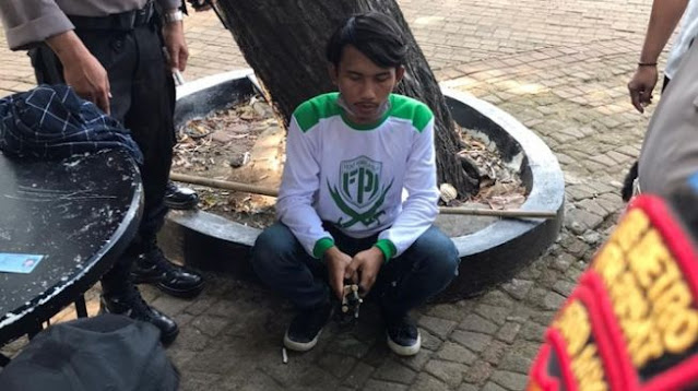 Pemuda Bawa Katapel Diamankan, FPI Akan Cek Keanggotaan: Kaosnya Aja Keliatan Baru Beli