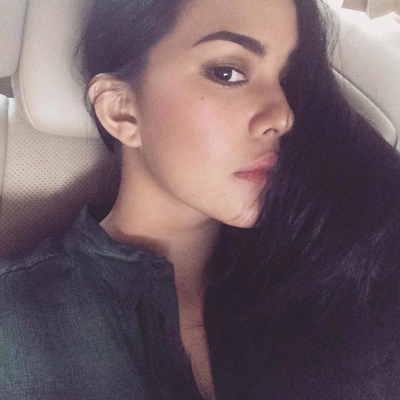 Foto-Foto Hot Kartika Putri Beredar Tanpa Sensor