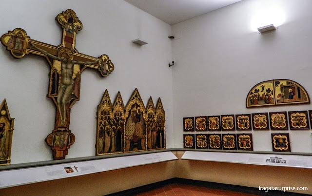Peças sacras do Século 13 e 14, na Galleria dell'Accademia, Florença