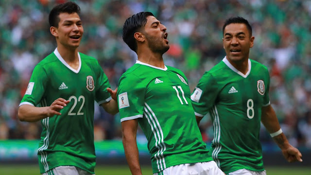 Carlos Vela festeja un gol de México contra Estados Unidos en la Hexagonal Final de las Eliminatorias Concacaf Rusia 2018