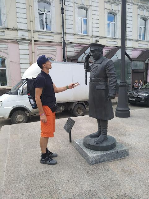 Памятник милиционеру, полицейскому, предъявите паспорт, Андрей Думчев