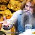 Ξεκαρδιστικό σποτ για την Κρήτη: Ο Ψαραντώνης, η σούπερ γιαγιά και ένας Γερμανός τουρίστας (Video)