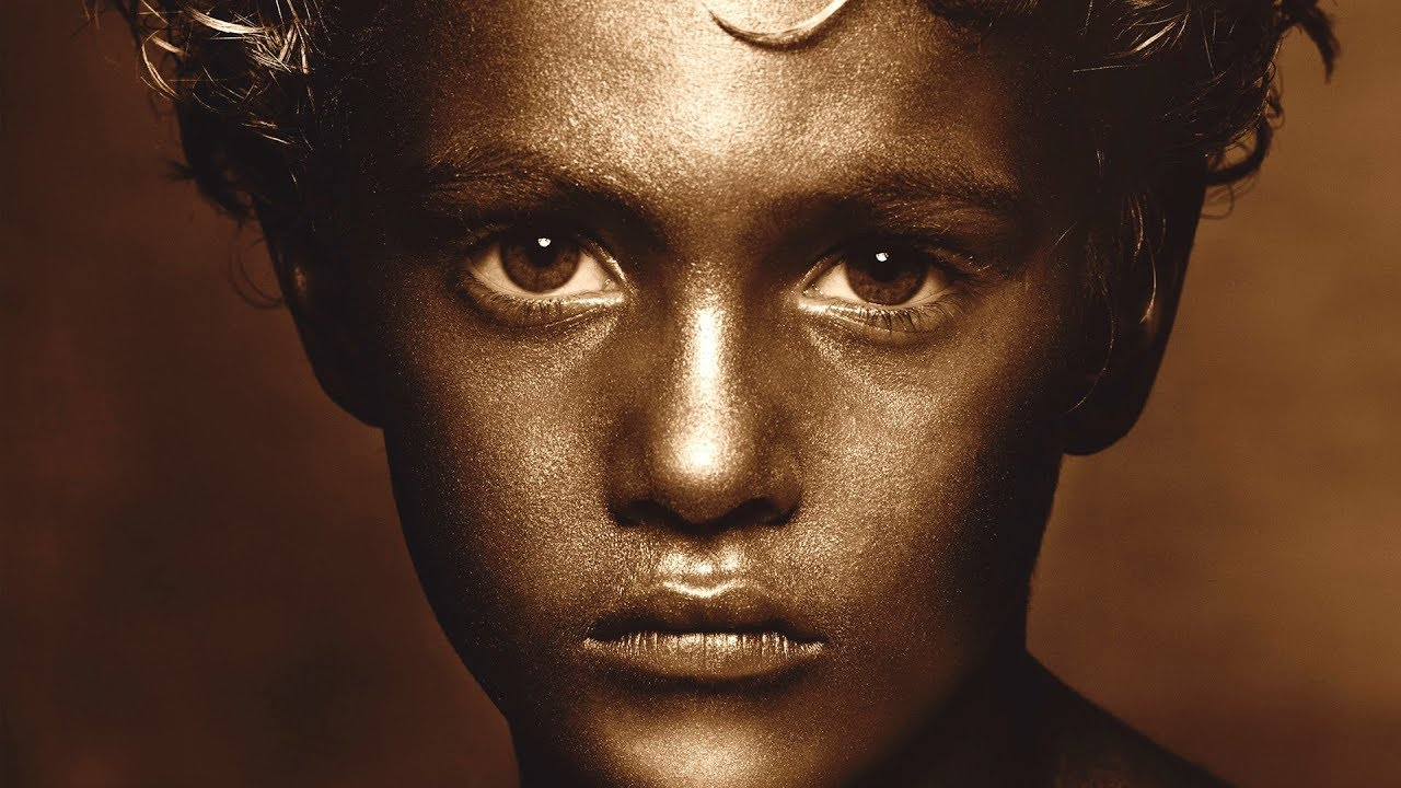 The Story Behind The Image Of Golden Boy: The light Albert Watson shapes
