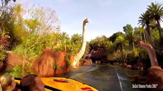 Wahana Jurassic Park di Universal studios , LA.keren bianget!
