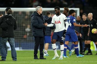 HLV Mourinho cãi nhau tay đôi với SAO đắt nhất Tottenham, ai sẽ bị đuổi?