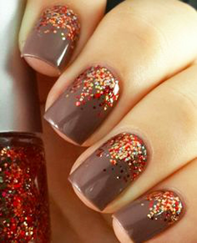 Here are some images of latest glitter gel nail art designs ideas
