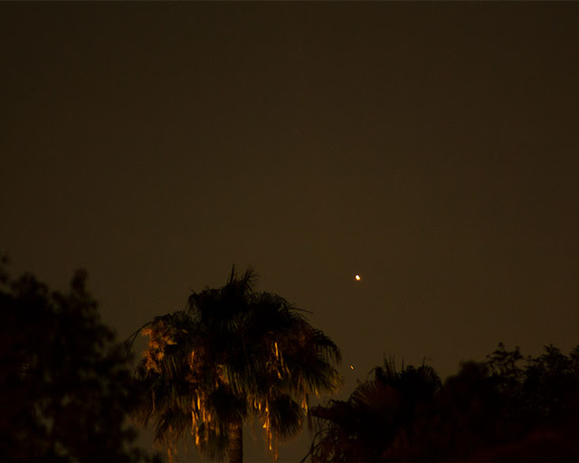 Venus and dim Mars in this DSLR, 4 second, 300mm exposure (Source: Palmia Observatory)