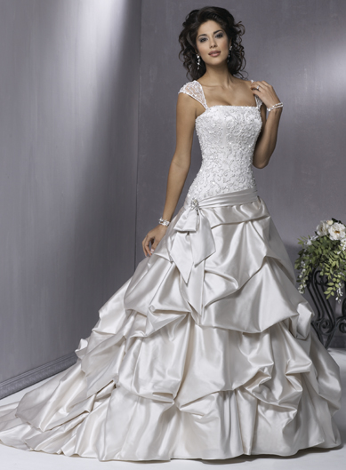 Wedding Clothes Collection: Wedding Dresses Trends